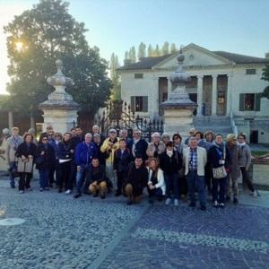 A FRATTA POLESINE davanti alla splendida monumentale Villa Badoer, opera di Andrea Palladio - 1556